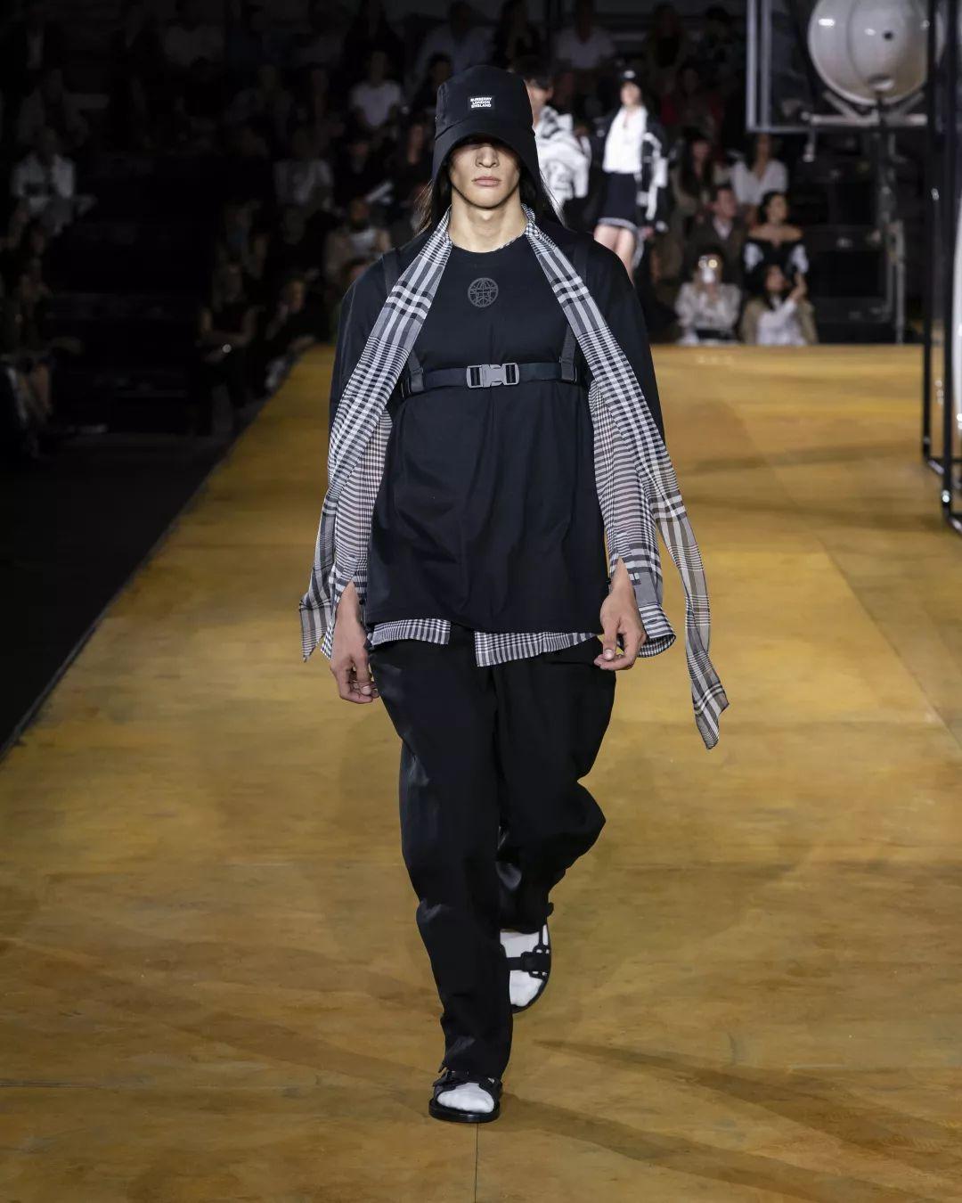 臻色调女装联营加盟,快时尚品牌集合店投资创业很轻松