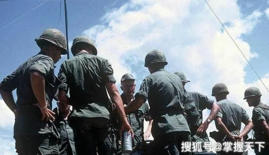 美记者采访越南女兵:为何美花20年攻不下越南,中国仅用一个月