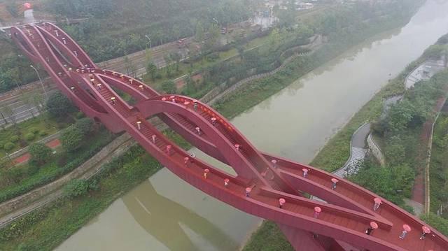 世界最性感建筑:长183米无起点和终点,桥面如同迷宫,就在中国