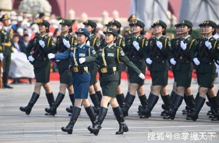 "<b>好美好飒!看看""中国第一女团""的神仙颜值</b>"