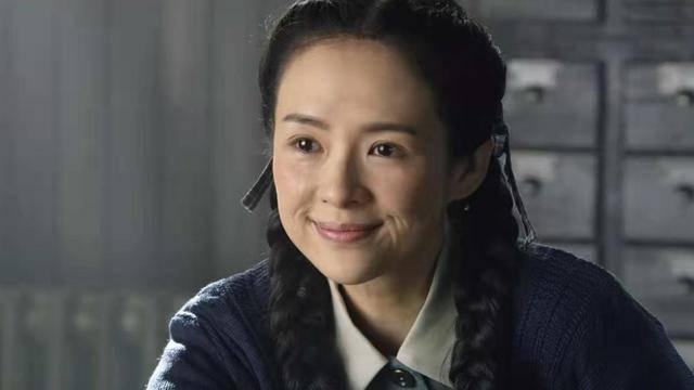 《攀登者》中的隐藏大佬,童星出身,与黄晓明赵薇是同学