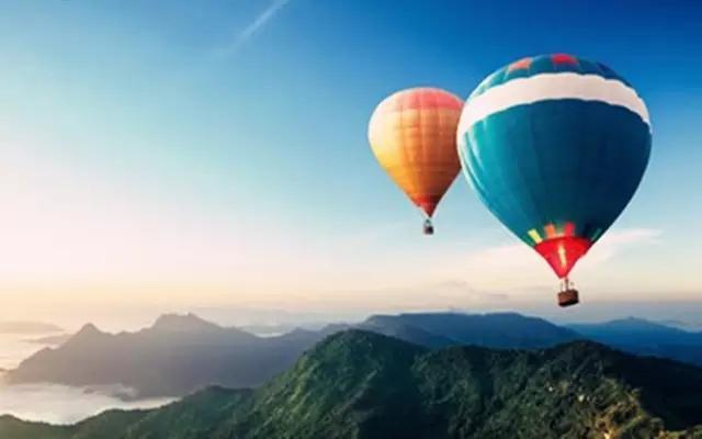 景区游乐场再出故障,母子坐氢气球遇难,保护游客的安全最为重要