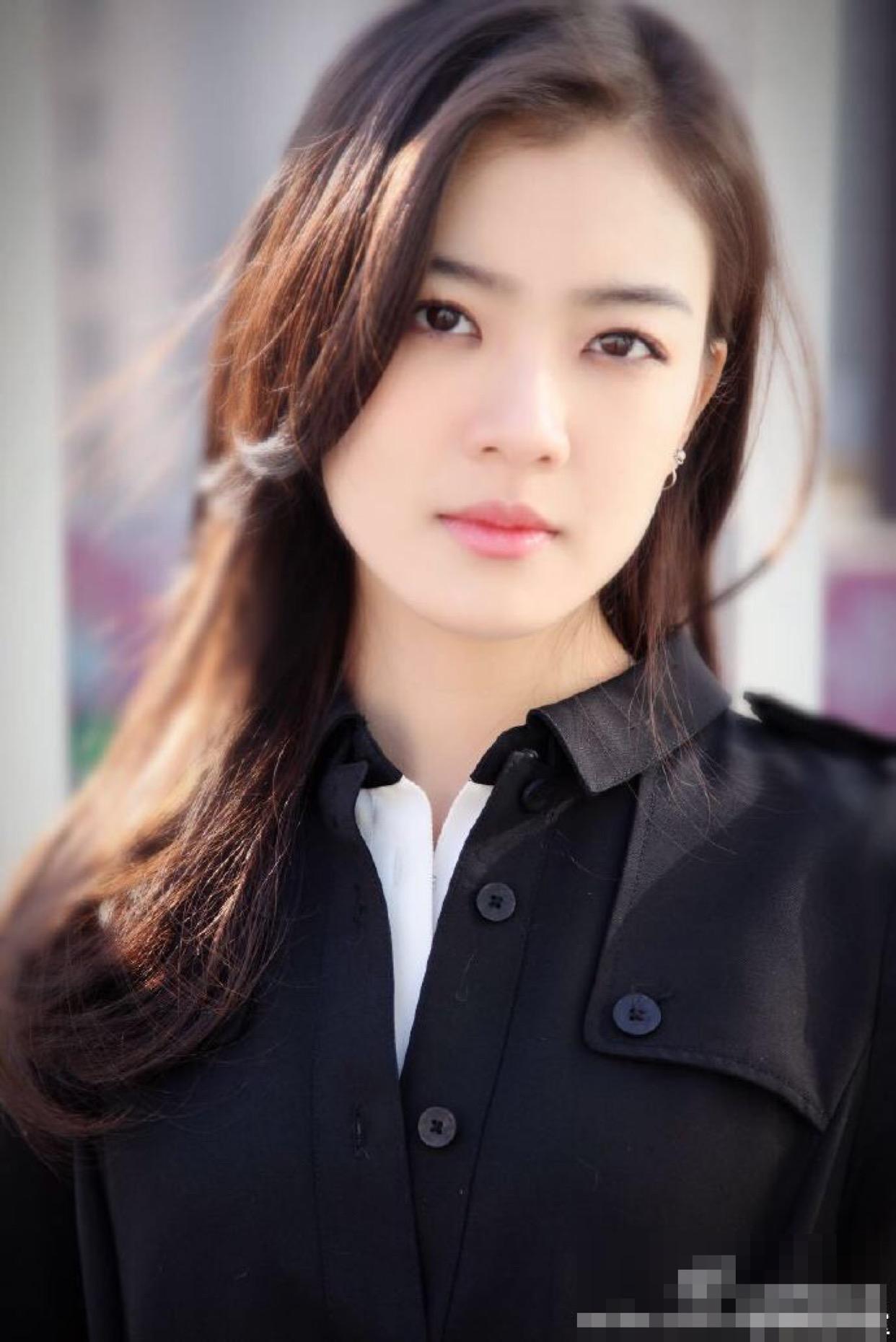 《中国机场长》最美女配不是张天爱,而是一直不太红的她插图(1)
