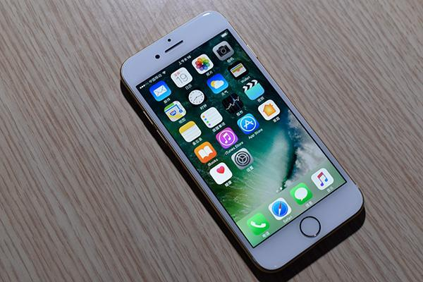 入门市场苹果也没放弃,将这款手机将至3000元内,存储反而更大