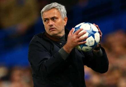 """穆里尼奥又被呼吁""""执教拜仁""""了,然而拜仁的球员们不欢迎穆帅"""
