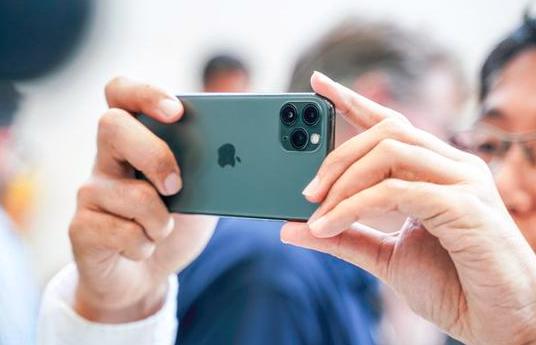 一日5万台!库克乐开花,一台iPhone11销量就顶mate30整个的销量