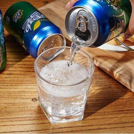 长期喝可乐的人最后都咋样了别喝了!来自喝碳酸饮料的人的忠告