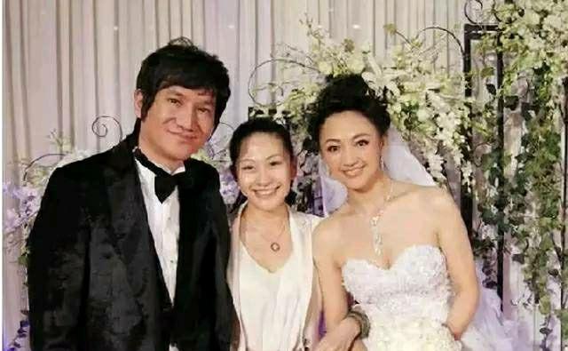 罗海琼是华谊总裁的夫人,天后曾给她当伴娘,因《风筝》再度翻红