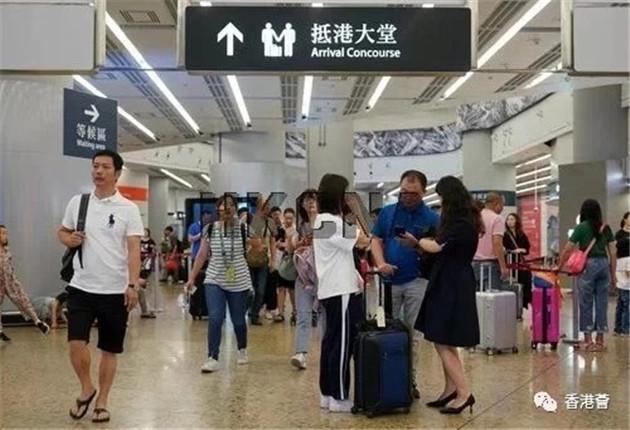 港媒:黄金周访港旅客人数大跌零售业惨过亚洲金融风暴
