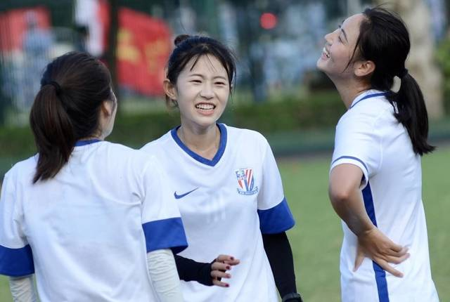 不错!恒大、申花、泰达等多家球队都匹配了女足,球员还颜值担当