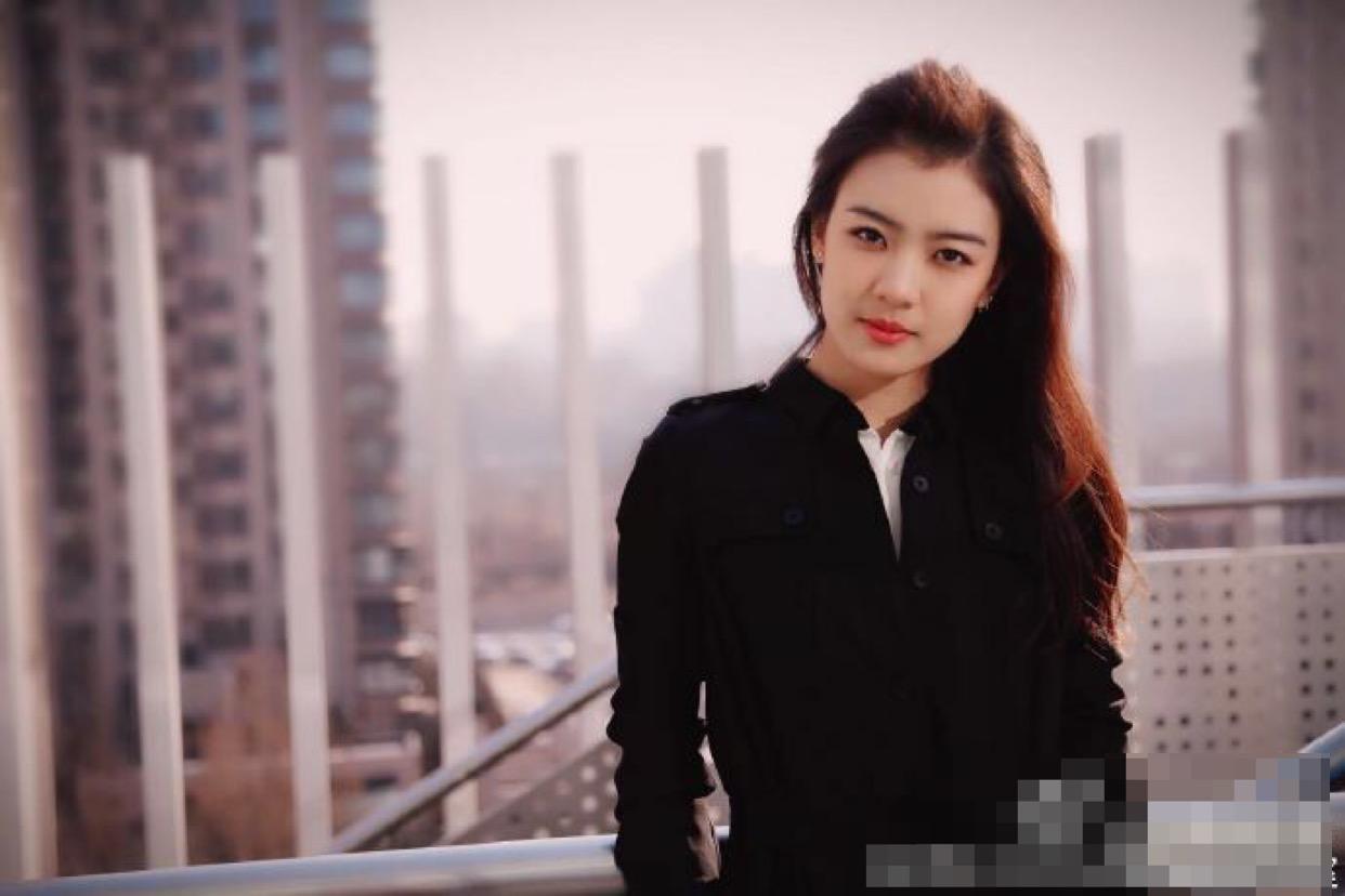 《中国机场长》最美女配不是张天爱,而是一直不太红的她插图(2)