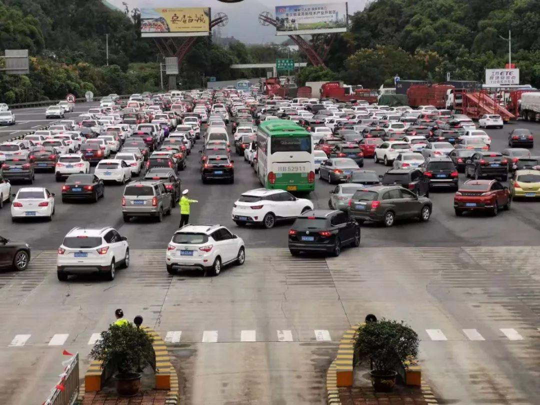 今日重庆高速车流量预计达140万辆 这些路段易拥堵