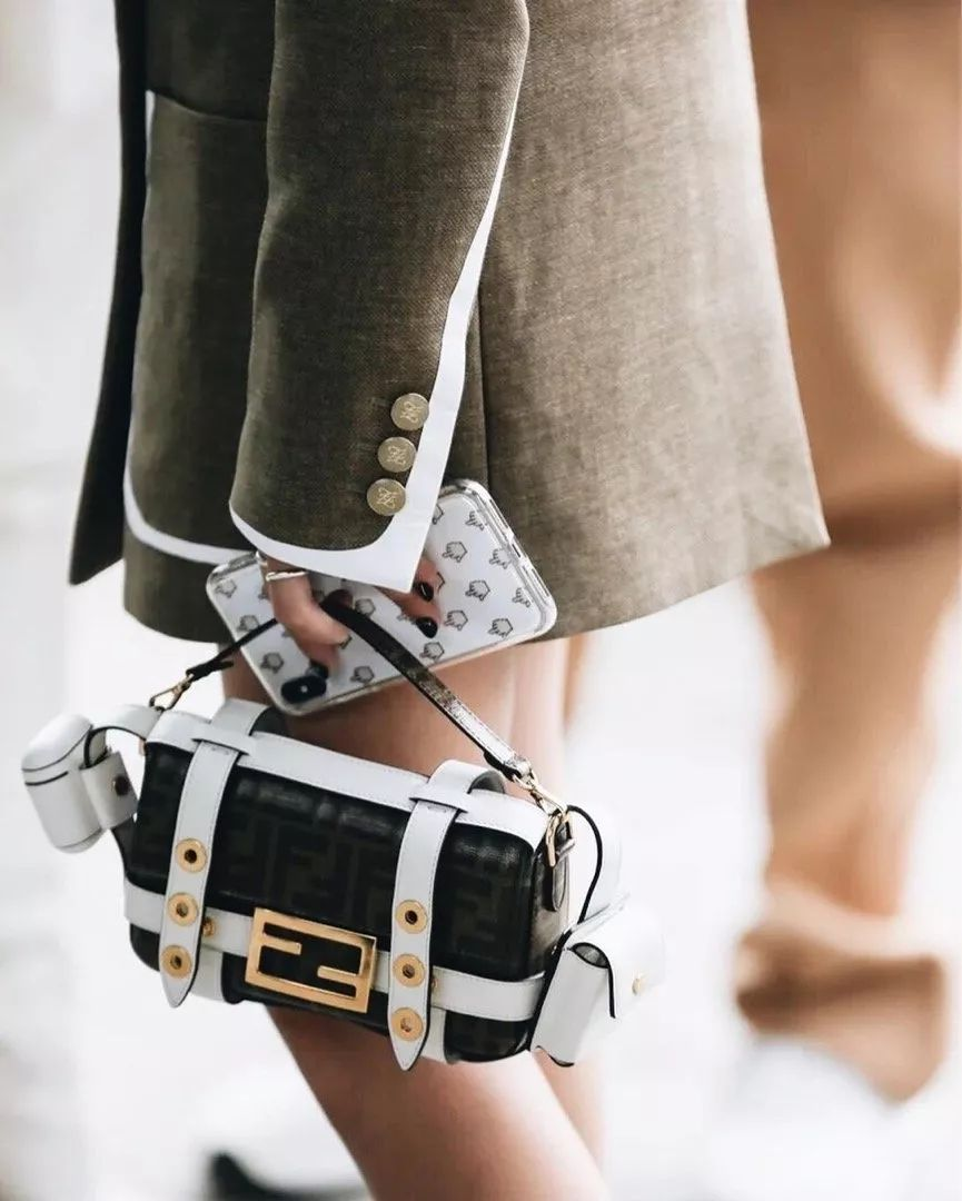 最流行背包图鉴,弄潮鹅们都在背什么包?