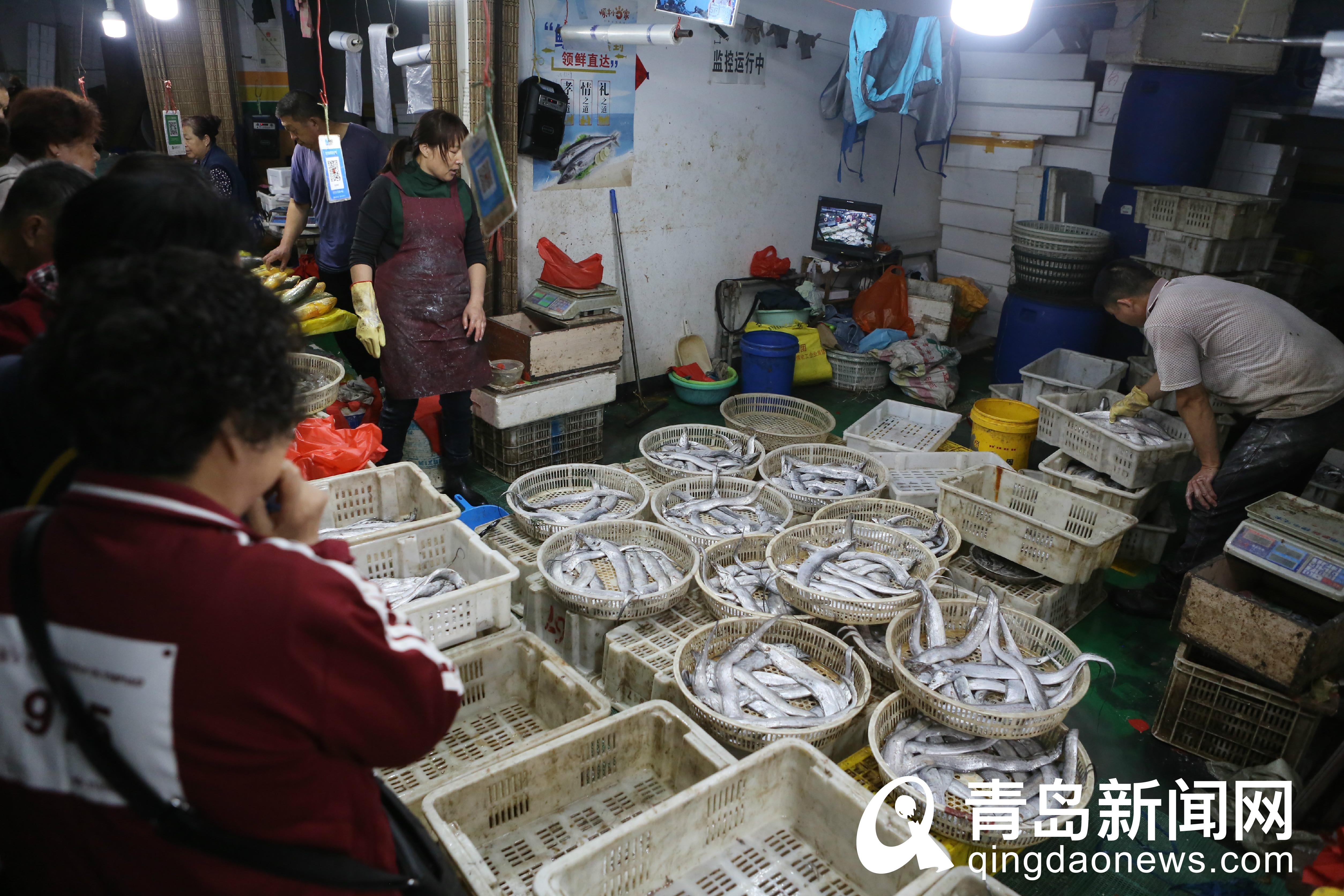 国庆最后一天海鲜价格回落 螃蟹一斤便宜20块