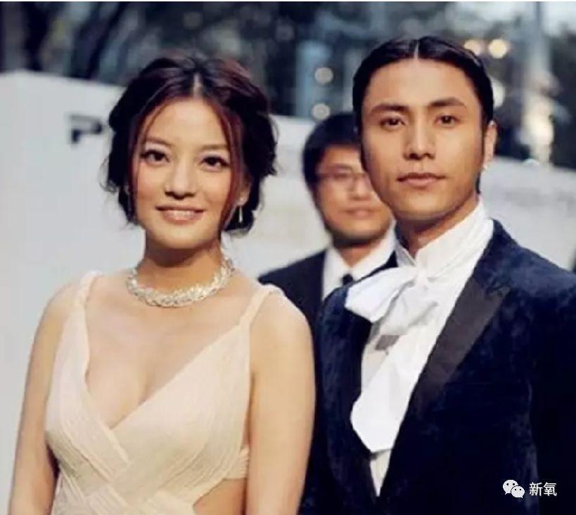 原创             脸垮多年的赵薇忽然美回巅峰,才知道她美商也吊打一票女星!