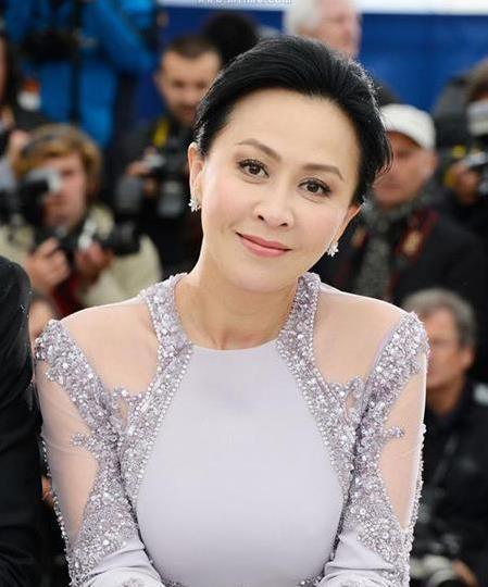 [同是婚后不育, 刘嘉玲能生不想生, 而她迫切当妈却被丈夫拒绝!]婚后不育
