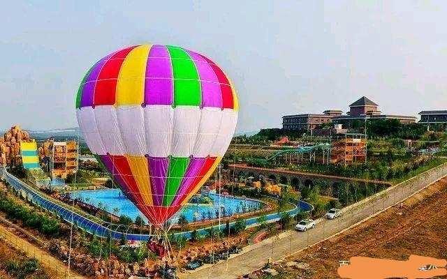 坐氫氣球游樂項目,如遇繩子脫落,在氣球爆炸之前,能否自救?
