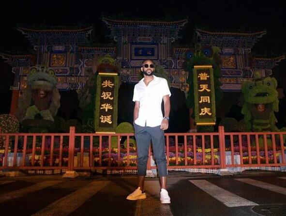 逛北京!巴坎布夜游天坛公园 短袖七分裤不怕冷
