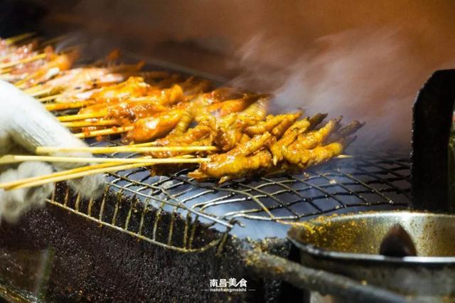 这是一篇自带香气的南昌烧烤攻略。