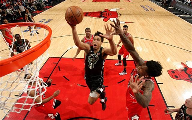 原创             51jrs直播网:NBA季前赛雄鹿VS公牛视频直播地址,雄鹿打造球队进攻体系