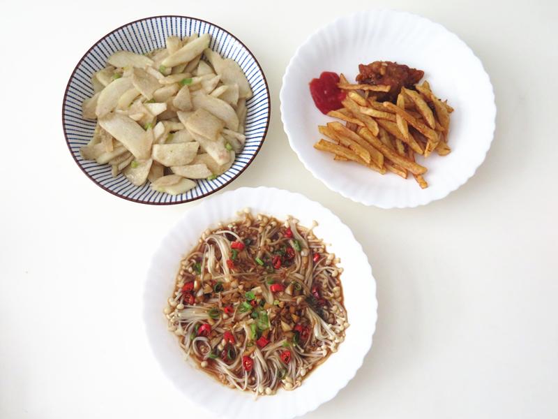 娘俩的晚餐素菜为主,下班后20分钟搞定,简单省时间,吃得舒服|晚餐蔬菜