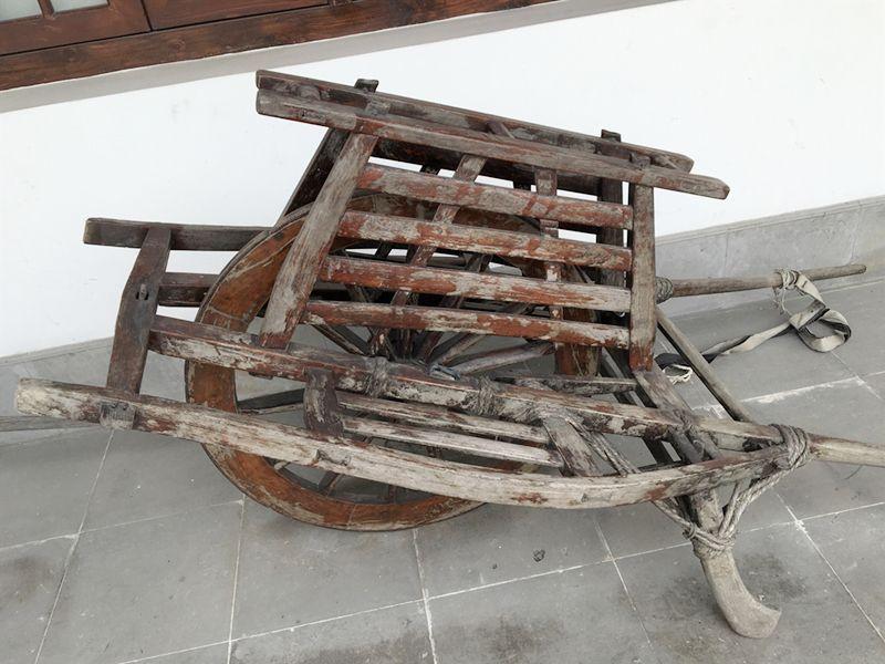 独轮车走钢丝的原理_独轮车杠杆原理示意图