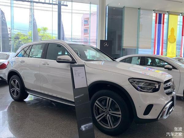 新款奔驰GLC级海外实车,正面采用双杠_车家号_发现车生活_车家
