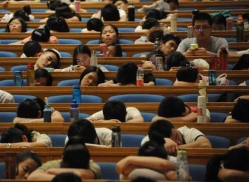 动真格!中国人民大学一次劝退16名学生,这些学生的名字,亮了!