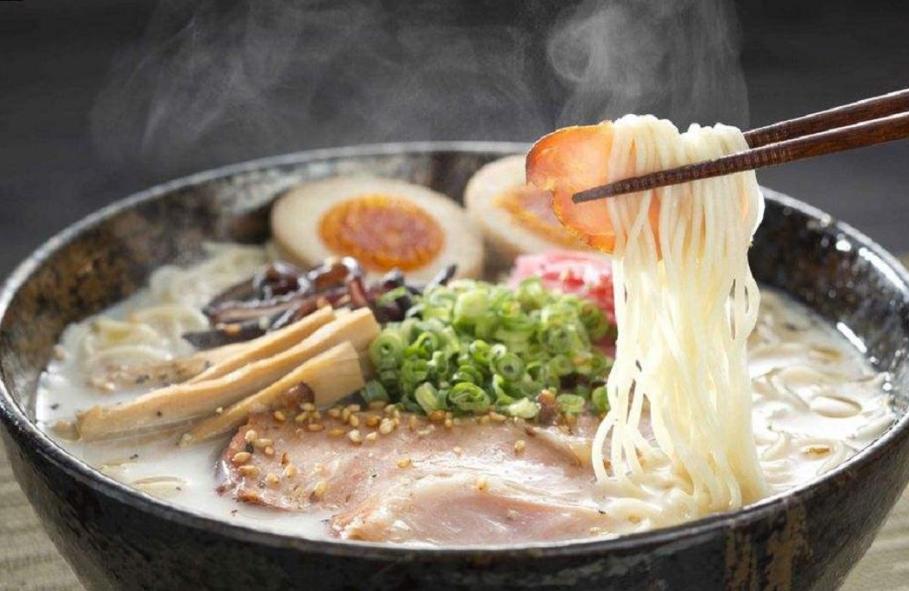 "<b>?在日本�流行的""拉面月票"":8000日元一个月任吃,商家不会亏本吗?</b>"