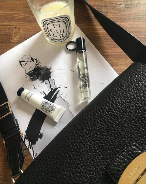 原创             小清新女孩最喜欢,简约质感包装,10款低调文青系护唇膏特搜