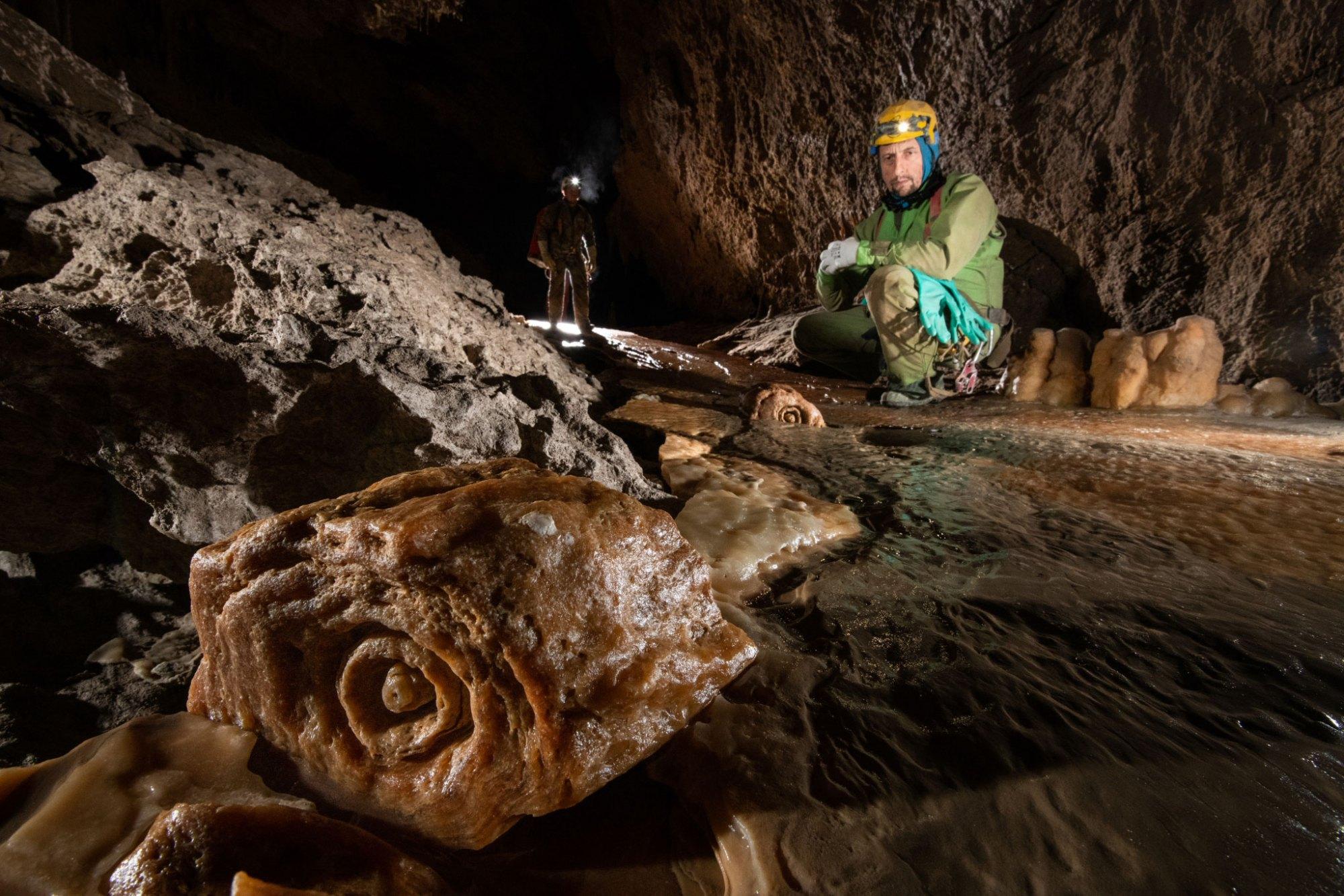 原创             全球最深的洞:深2212米135公里长,普通人进去基本就很难出来