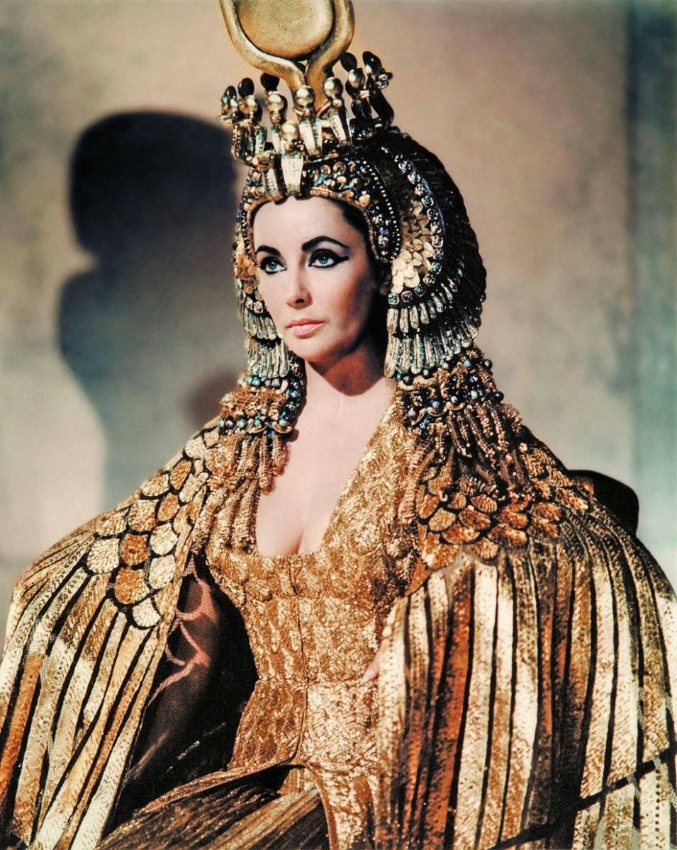 埃及法老王与他的艳后