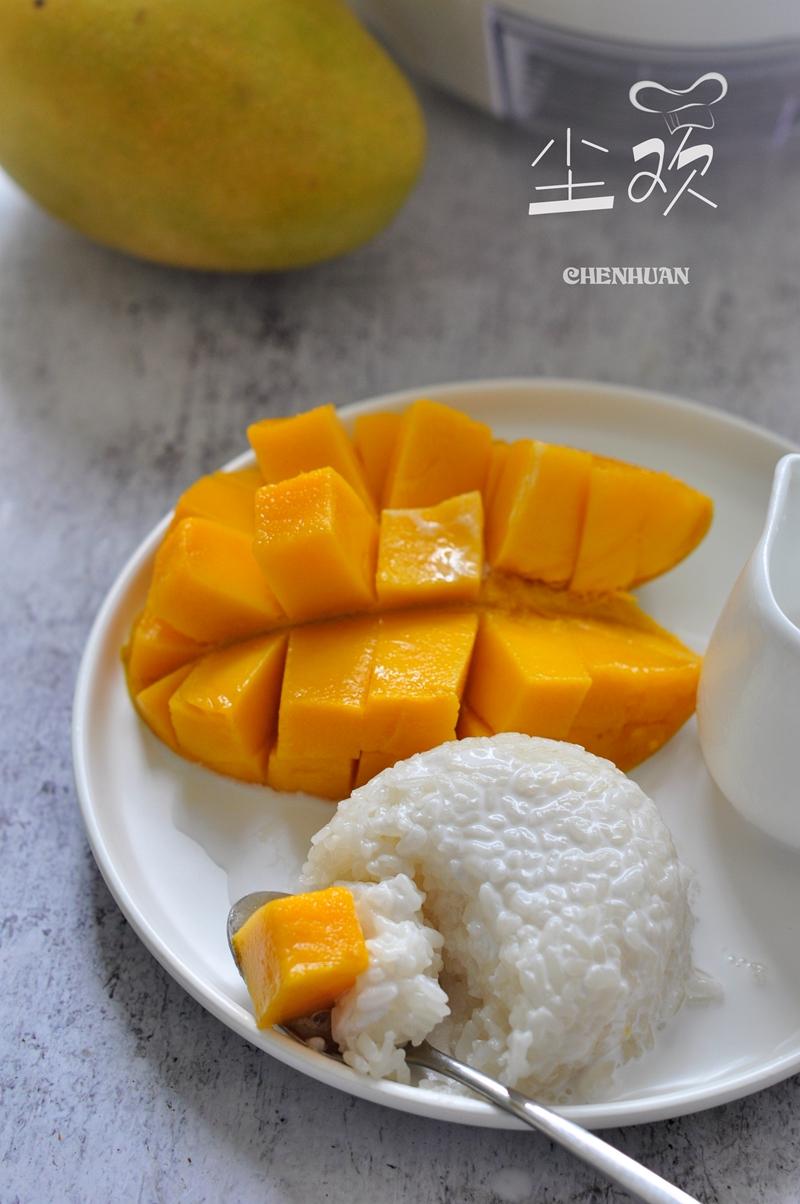 水果和糯米饭的完美结合,最爱这样一口淡淡椰香味的软糯香甜