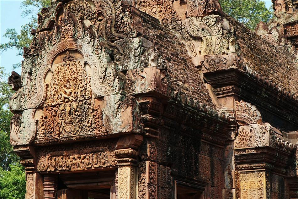 原创             柬埔寨:女王宫,纹身精致繁复,几近体无完肤