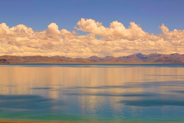 西藏这个隐藏在深处的第三大咸水湖,竟美得不可方物