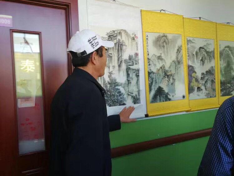 高俊英《我和我的祖国大型个人画展》在安泰福泰敬老院举行