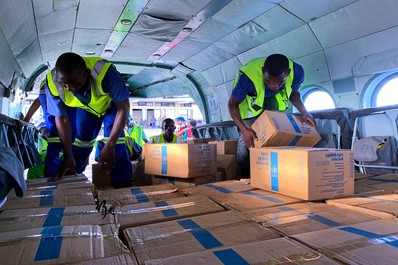 原创             全球最大援助组织:每天5000辆货车在路上,一年捐出530亿
