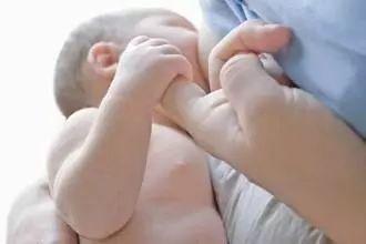 [哺乳期来月经会影响奶水质量吗?] 哺乳期来月经是好是坏