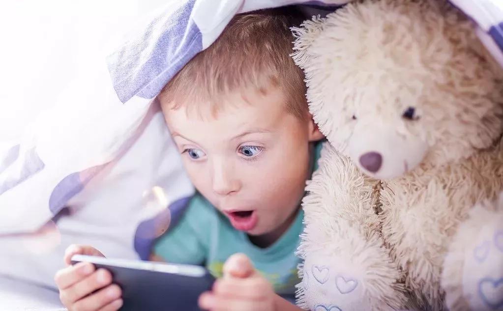孩子看电视、玩游戏很专注,为什么一学习就容易分神?