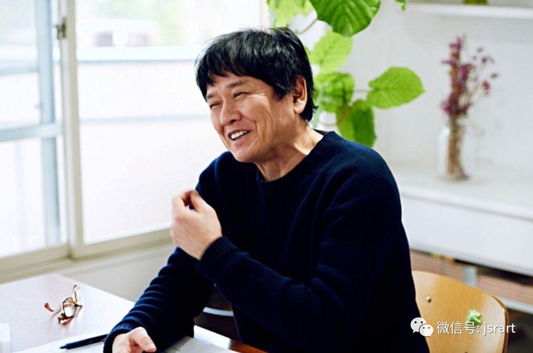 奈良美智《背后藏刀》于苏富比晚拍以hk$1.95亿成交