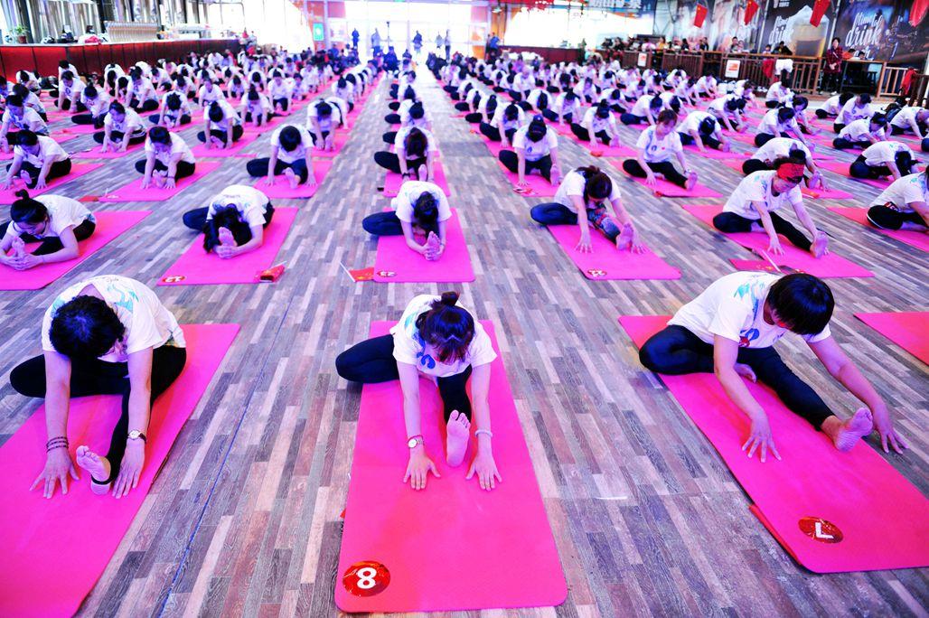 圖為瑜伽集體場面.圖片