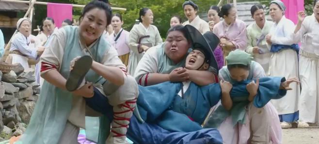原创             天不怕地不怕,就怕韩国男人穿女装,比女主妖媚1万倍