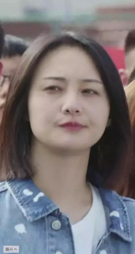 时装周郑爽又双叕换脸了,换的太频繁了吧,网友们都替她脸痛