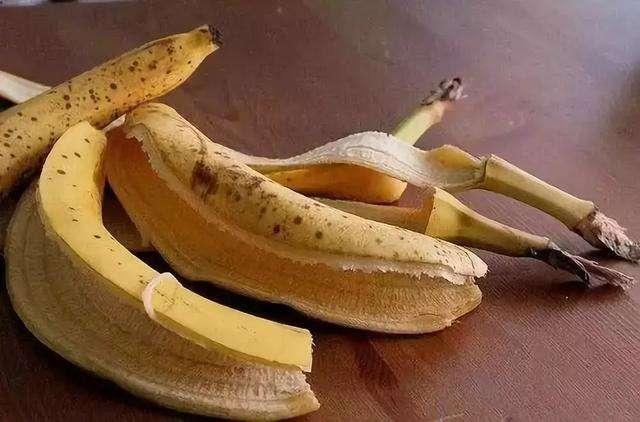 香蕉放几天皮就变黑,这样还能吃吗?营养师教大家三招轻松应对_香蕉黑