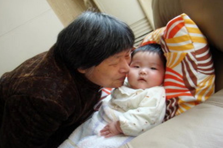 <b>5个月宝宝急性肾水肿,背后是奶奶育儿的旧法,科学养娃才正确</b>