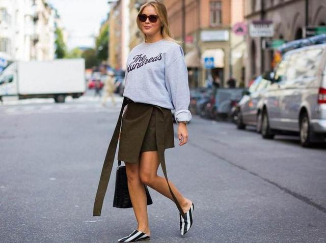 25到45岁女人秋季选卫衣,只需4招,轻松拥有时髦范