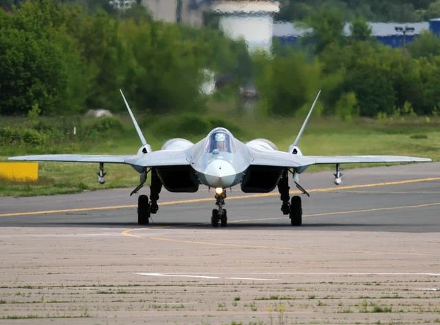 俄罗斯孤注一掷,苏57再次被印度拒绝后,必须加快研发速度了_战斗机