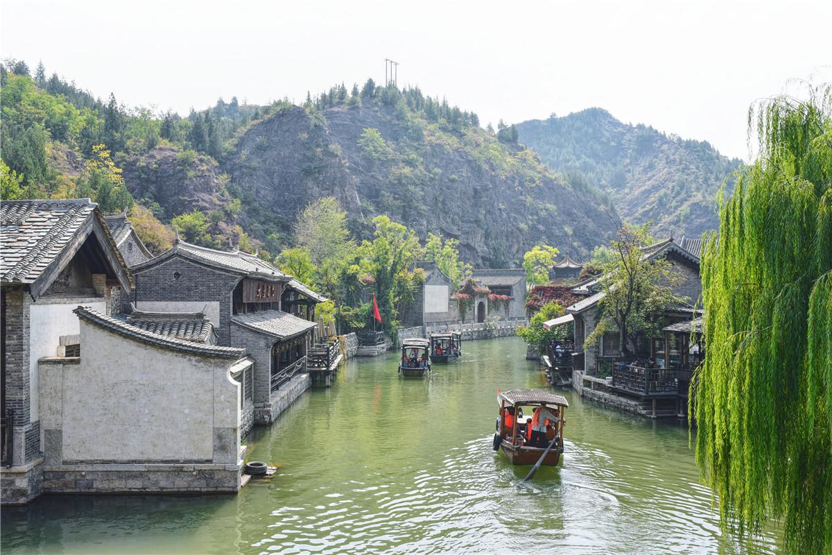 原创北京最美度假小镇,没有市区的快节奏,只有红叶下的慢生活