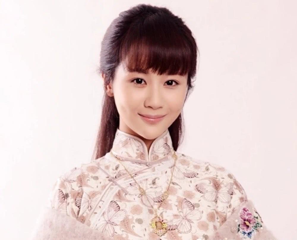 《大秧歌》海猫设计让吴若云对海盗使美人计,怎料海盗却等不及了