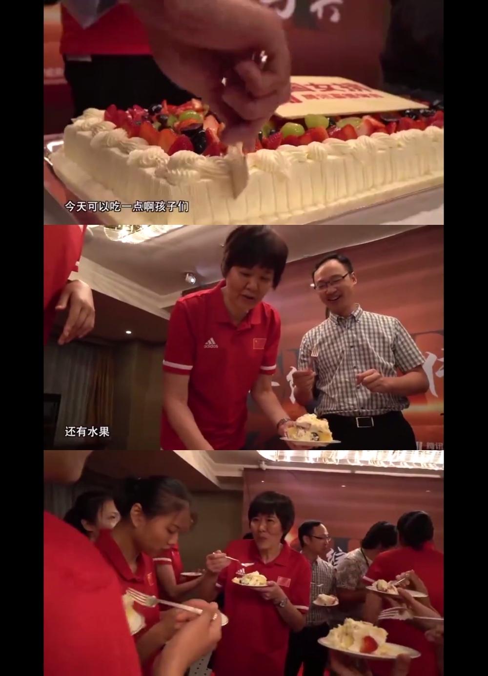 """女排庆功吃蛋糕 我被""""暖到""""的同时也想吃蛋糕了"""
